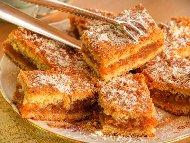 Рецепта Сладкиш с грис с плънка от тиква, орехи, захар и ванилия
